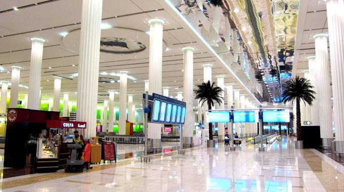 http://www.comfortablelife.asia/images/2011/04/00-Kanku-Dubai_Airport_001_014_02.jpg