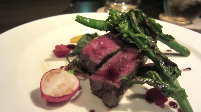 http://www.comfortablelife.asia/images/2011/06/ARMANI-Ristorante-GINZA_77.1.jpg