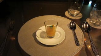 http://www.comfortablelife.asia/images/2011/06/ARMANI-Ristorante-GINZA_801-330x185.jpg