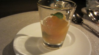 http://www.comfortablelife.asia/images/2011/06/ARMANI-Ristorante-GINZA_82-330x185.jpg