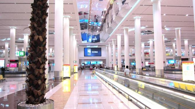 http://www.comfortablelife.asia/images/2011/06/Dubai_Airport_02.jpg