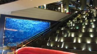 http://www.comfortablelife.asia/images/2011/07/02-Burj-Al-Arab-Lobbya-butler-Desk_003-330x185.jpg