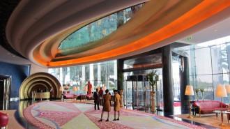 http://www.comfortablelife.asia/images/2011/07/02-Burj-Al-Arab-Lobbya-butler-Desk_0091-330x185.jpg