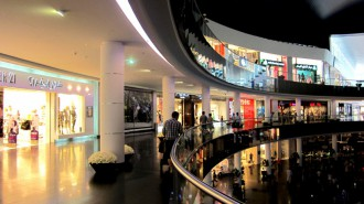http://www.comfortablelife.asia/images/2011/07/20-DubaiAquarium_043-330x185.jpg
