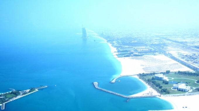 http://www.comfortablelife.asia/images/2011/09/05-Heli-Dubai_013-680x381.jpg