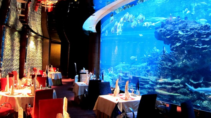 http://www.comfortablelife.asia/images/2011/09/Al-MAHARA_Dinner_14-680x381.jpg