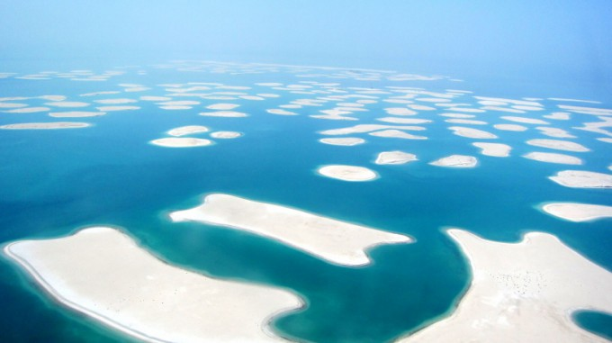 http://www.comfortablelife.asia/images/2011/10/05-Heli-Dubai_070-680x381.jpg