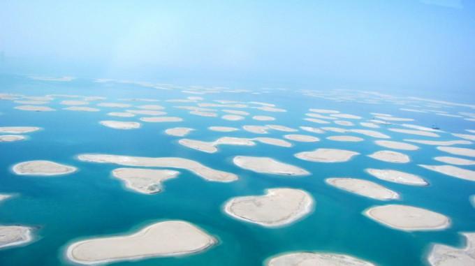 http://www.comfortablelife.asia/images/2011/10/05-Heli-Dubai_071-680x381.jpg