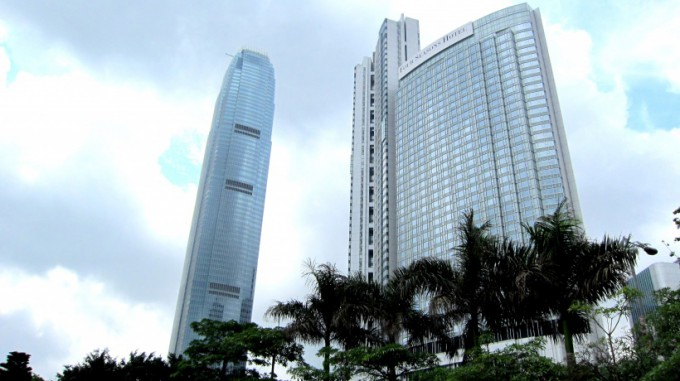 http://www.comfortablelife.asia/images/2011/10/Four-Seasons-Hotel2011-680x381.jpg