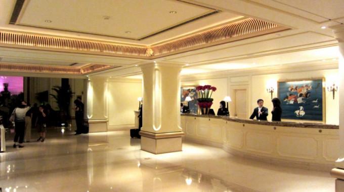 http://www.comfortablelife.asia/images/2011/10/ThePeninsulaHongKong_22-680x381.jpg