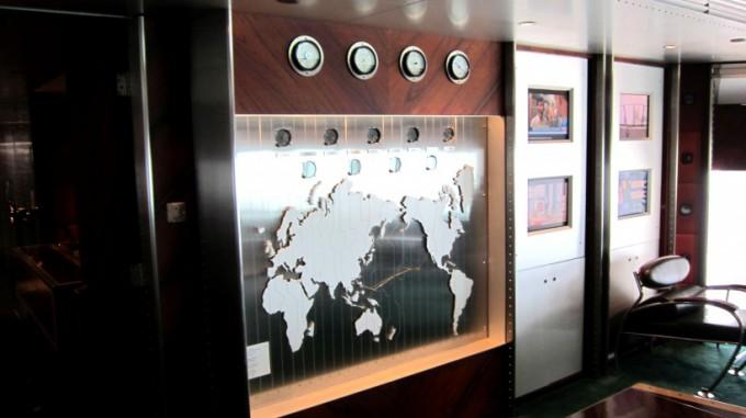 http://www.comfortablelife.asia/images/2011/11/Peninsula_HeliLounge_02-680x381.jpg