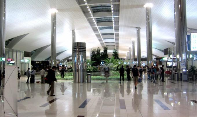 http://www.comfortablelife.asia/images/2012/01/Dubai.Airport.2011_05.5-680x405.jpg