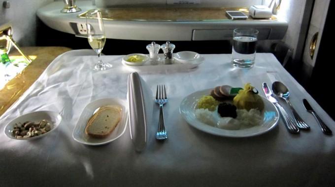 http://www.comfortablelife.asia/images/2012/01/Emirates.Suite_.SocialArea.Plus_026-680x381.jpg