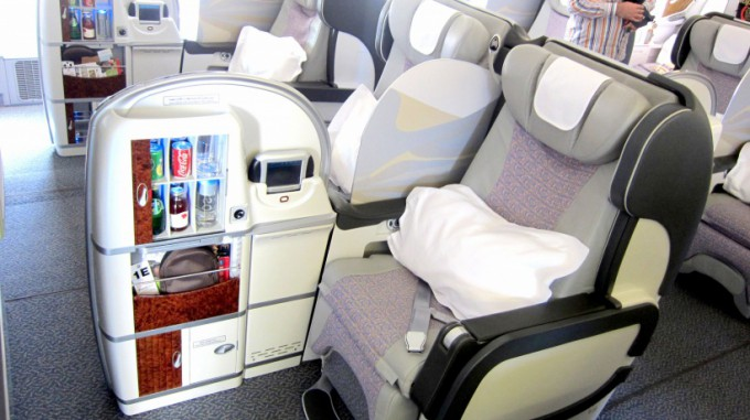 http://www.comfortablelife.asia/images/2012/02/Dubai-to-Maldives.2011_67.5-680x381.jpg