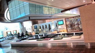 http://www.comfortablelife.asia/images/2012/02/Emirates.First-Lounge2011_12-330x185.jpg