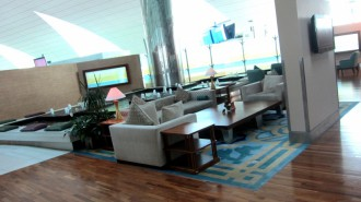 http://www.comfortablelife.asia/images/2012/02/Emirates.First-Lounge2011_51-330x185.jpg