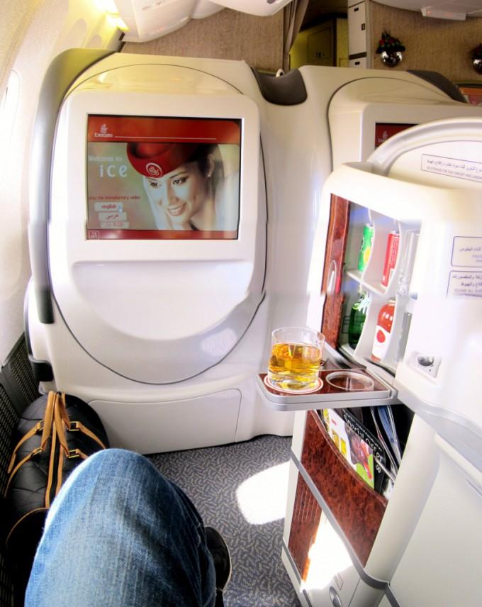 http://www.comfortablelife.asia/images/2012/02/FirstClass.Seat_023-680x856.jpg