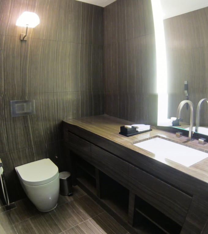 http://www.comfortablelife.asia/images/2012/03/Armani-Toilet05-680x768.jpg