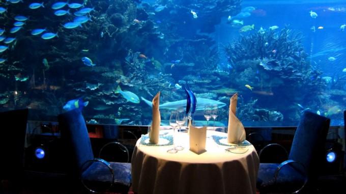 http://www.comfortablelife.asia/images/2012/04/Al-MAHARA_Dinner_05-680x381.jpg