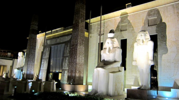 http://www.comfortablelife.asia/images/2012/05/Raffles.Dubai_.2011A_42-680x381.jpg