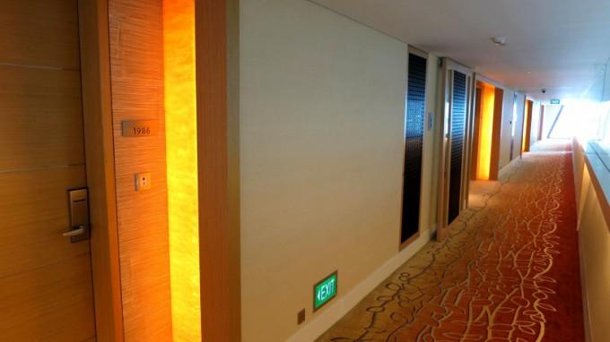 http://www.comfortablelife.asia/images/2012/07/SandsSuite.2012_116-680x382.jpg