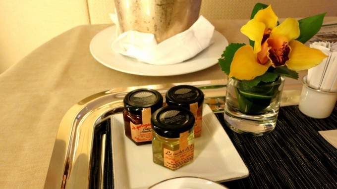 http://www.comfortablelife.asia/images/2012/11/LMO-breakfast.2012_09-680x382.jpg