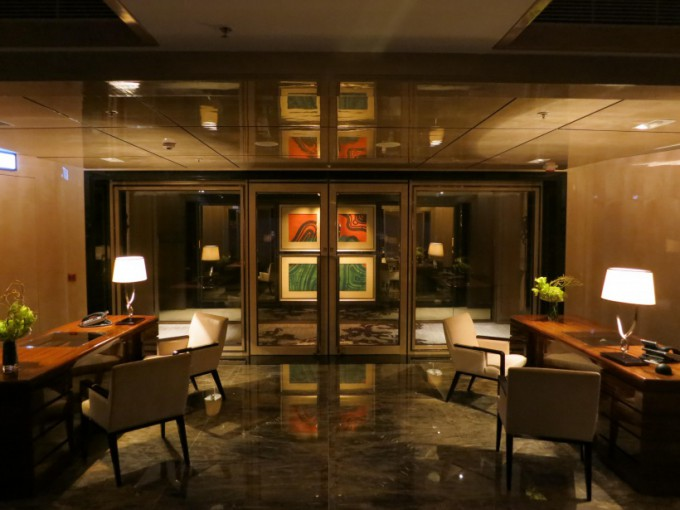 http://www.comfortablelife.asia/images/2012/12/The-Ritz-Carlton-Club.2012_40-680x510.jpg