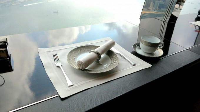 http://www.comfortablelife.asia/images/2013/01/Ritz.tea_.2012_05-680x382.jpg