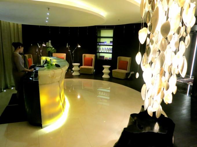 http://www.comfortablelife.asia/images/2013/02/Ritz-HK_ESPA.2012_10-680x510.jpg