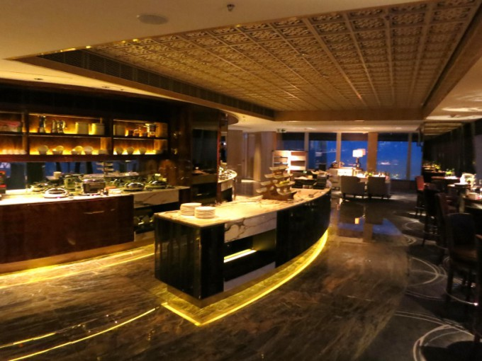 http://www.comfortablelife.asia/images/2013/02/The-Ritz-Carlton-Club.2012_38-680x510.jpg