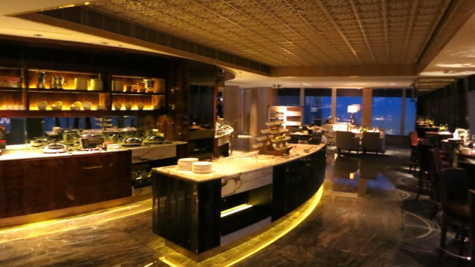 http://www.comfortablelife.asia/images/2013/02/The-Ritz-Carlton-Club.2012_38.5-680x382.jpg