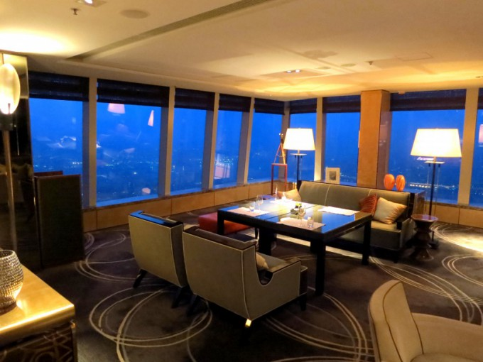 http://www.comfortablelife.asia/images/2013/02/The-Ritz-Carlton-Club.2012_41-680x510.jpg