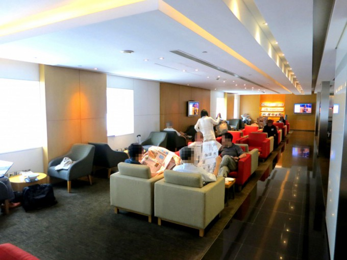 http://www.comfortablelife.asia/images/2013/04/Cathay-Busi-L.2012_07-680x510.jpg