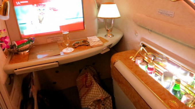 http://www.comfortablelife.asia/images/2013/04/Emirates_PrivateSuite_11.5-680x382.jpg