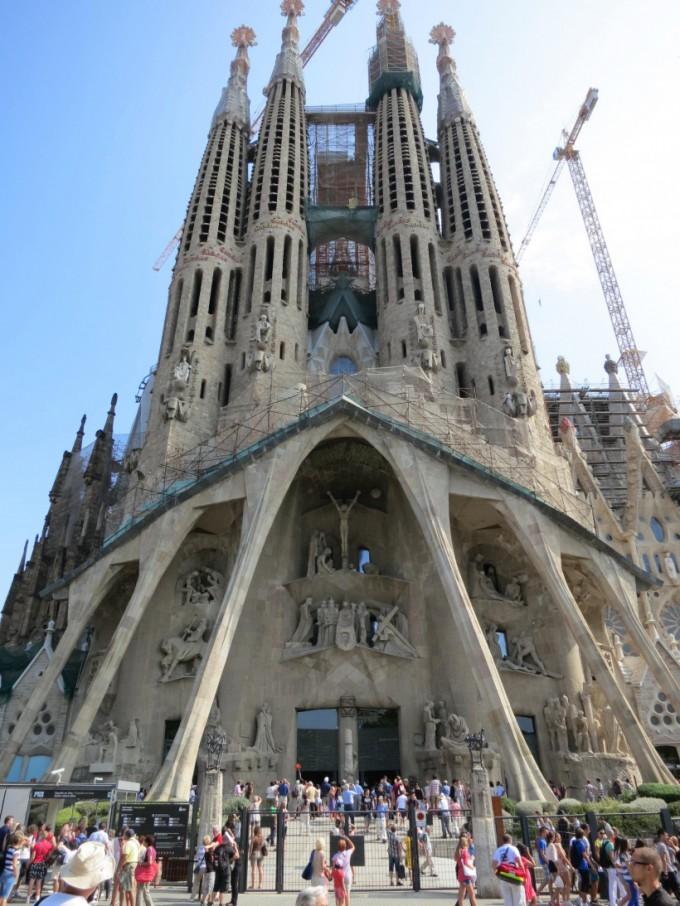 http://www.comfortablelife.asia/images/2013/08/Sagrada-Familia.2012_051-680x906.jpg