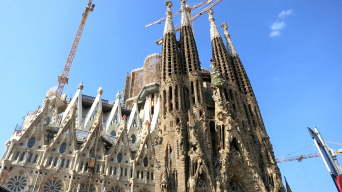 http://www.comfortablelife.asia/images/2013/08/Sagrada-Familia.2012_43-680x382.jpg