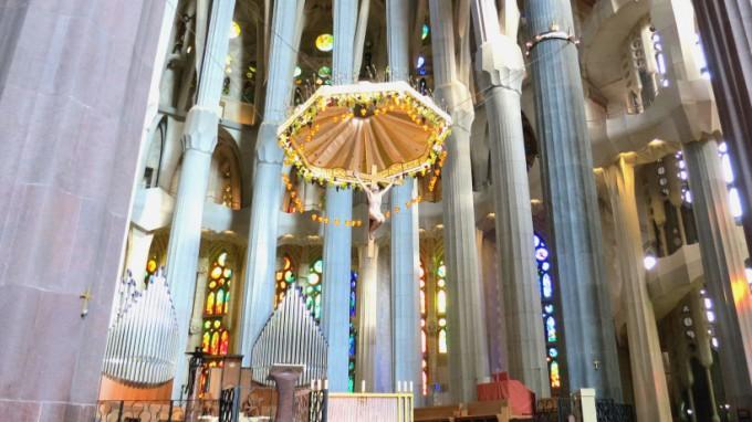 http://www.comfortablelife.asia/images/2013/09/Sagrada-Familia.2012_26.5-680x382.jpg
