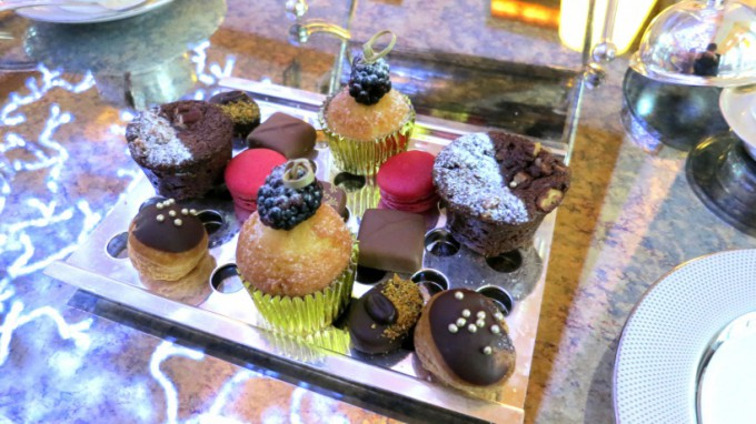 http://www.comfortablelife.asia/images/2013/11/DIFC.Afternoon-Tea.2012_06-680x382.jpg