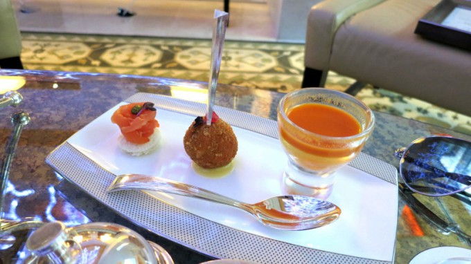 http://www.comfortablelife.asia/images/2013/11/DIFC.Afternoon-Tea.2012_09-680x382.jpg