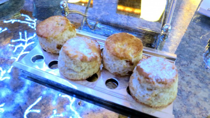 http://www.comfortablelife.asia/images/2013/11/DIFC.Afternoon-Tea.2012_14-680x382.jpg