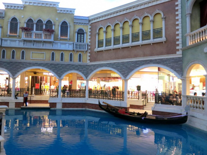 http://www.comfortablelife.asia/images/2014/01/The-Venetian-Macao.2013_13-680x510.jpg