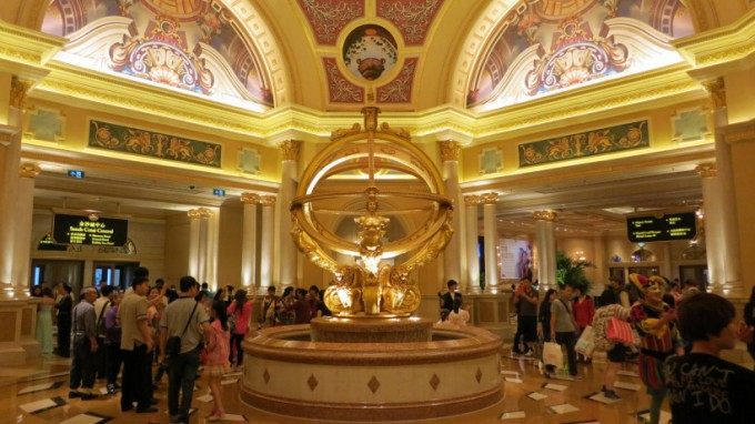 http://www.comfortablelife.asia/images/2014/01/The-Venetian-Macao_19-680x382.jpg