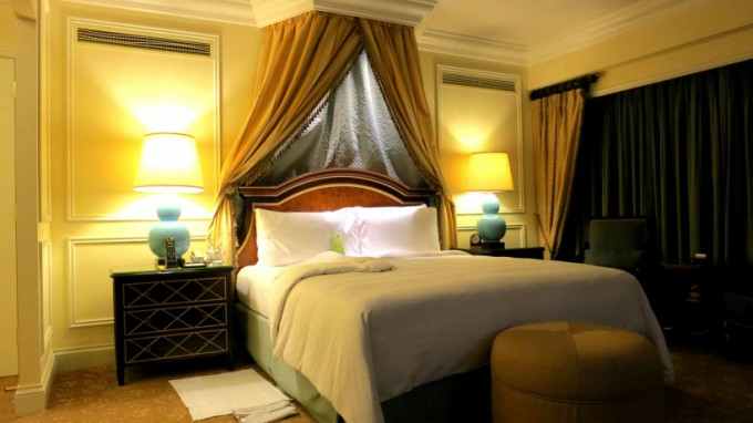 http://www.comfortablelife.asia/images/2014/01/VM_Rialto-Suite.2013_13-680x382.jpg