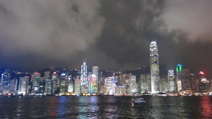 http://www.comfortablelife.asia/images/2014/01/Victoria-Harbour-680x381.jpg