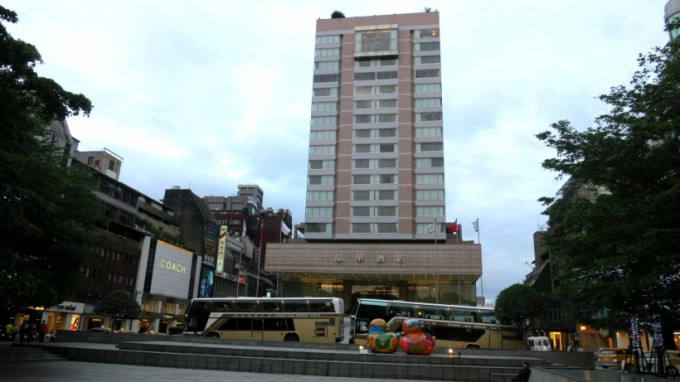 http://www.comfortablelife.asia/images/2014/04/The-Regent-Taipei_004-680x382.jpg