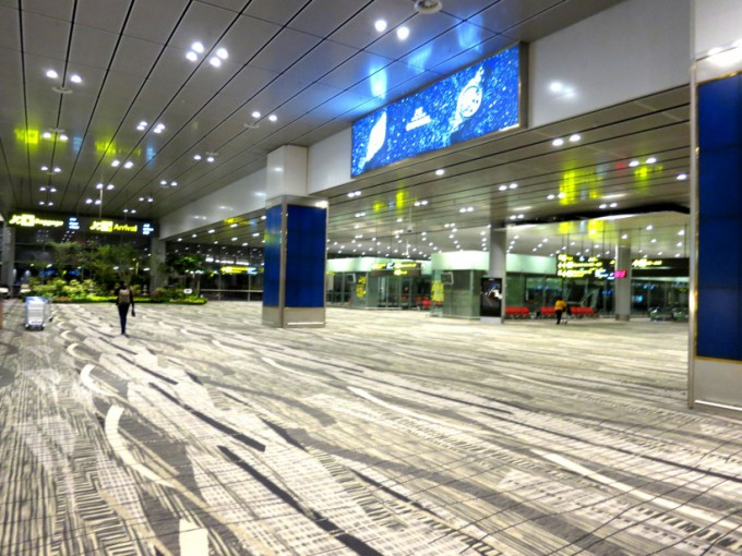 http://www.comfortablelife.asia/images/2014/06/Changi-Airport.2014_01-680x510.jpg