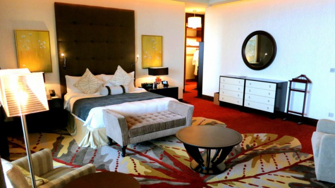 http://www.comfortablelife.asia/images/2014/09/Presidential-Suite.2014_16.5-680x381.jpg