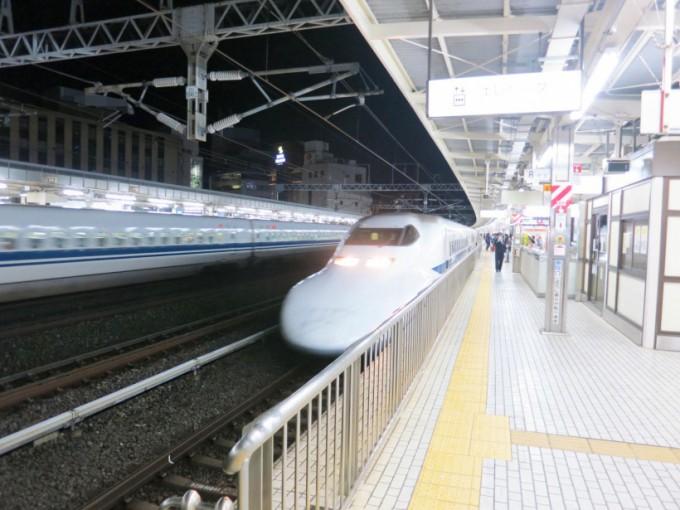 http://www.comfortablelife.asia/images/2015/03/Shinkansen.Green_.2015_100-680x510.jpg