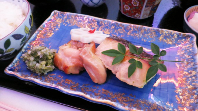 http://www.comfortablelife.asia/images/2015/04/CX-First-class-Lunch_024-680x382.jpg