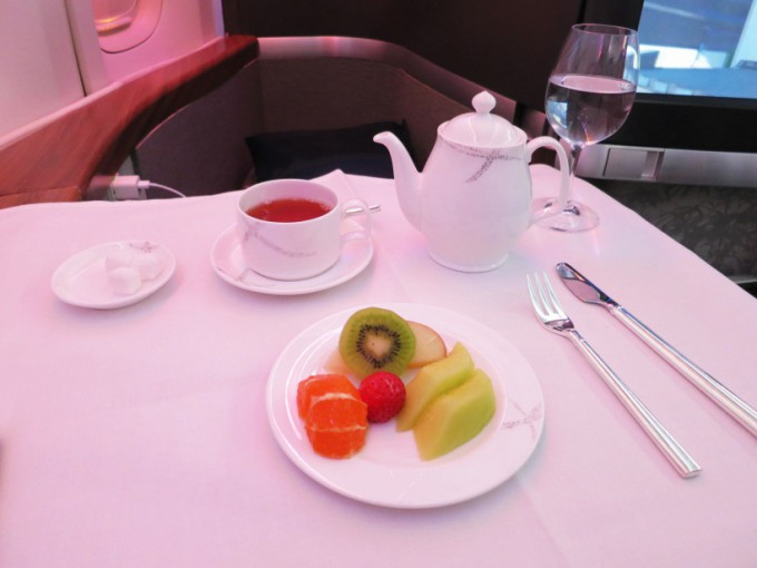 http://www.comfortablelife.asia/images/2015/04/CX-First-class-Lunch_032-680x510.jpg